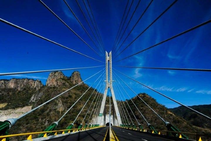 Autopista Mazatlán Durango puente baluarte. Foto: . .