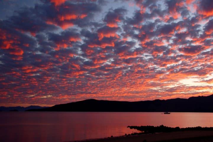 Amanecer en Bahía de los Ángeles Foto Bill Gracey