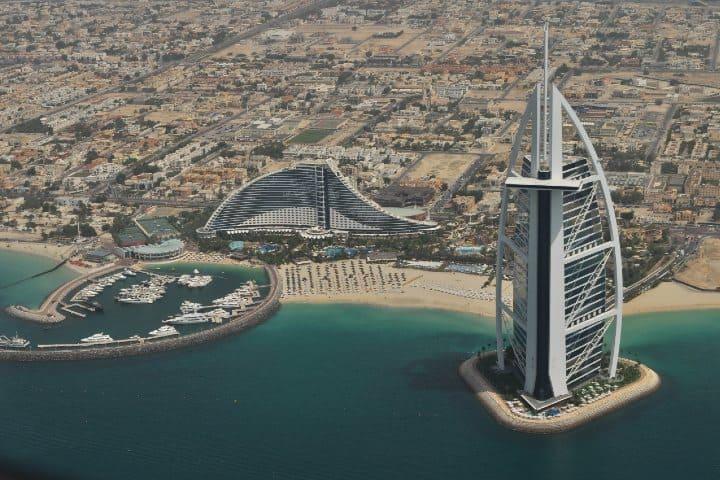 Burj Al Arab. Foto: Roman Logov