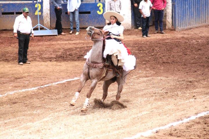 Charrería en Zacatlán A caballo por la región
