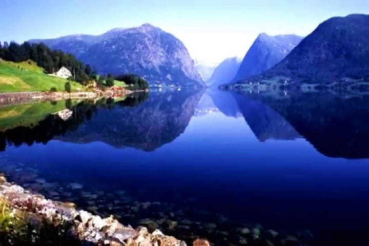 Fiordos Noruegos Foto youtube (1)