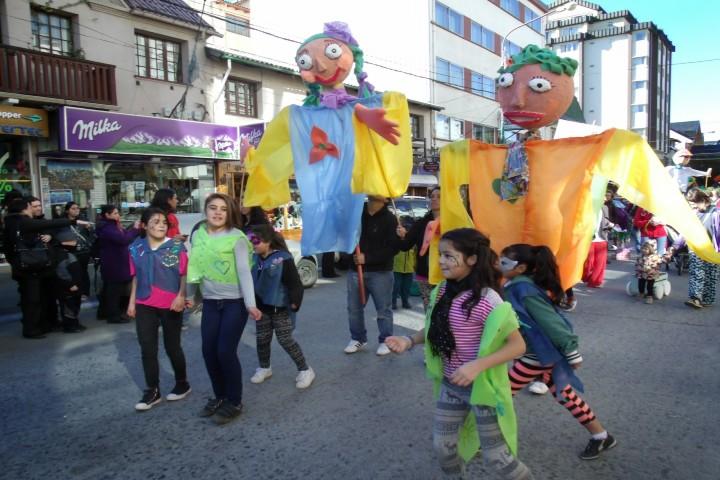 Desfile-de-Títeres,-Escuela-Arrallanes-Tlaxcala-como-parte-del-Festival.-Foto:-Escuela-Arrayanes-3