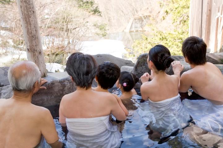 Gaijing Pot Blog3-Generations-Bathing-Together