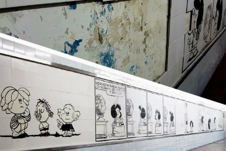 Mural de Mafalda acompaña a los pasajeros Clarín