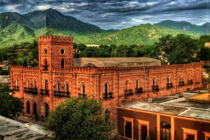 Palacio Municipal de Álamos