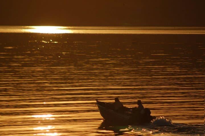 Pescadores en Bahía de los Ángeles Foto Bahía de los Ángeles Foto Bill Gracey