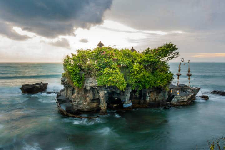 Tanah Lot. Indonesia. Foto. Pan Species 1