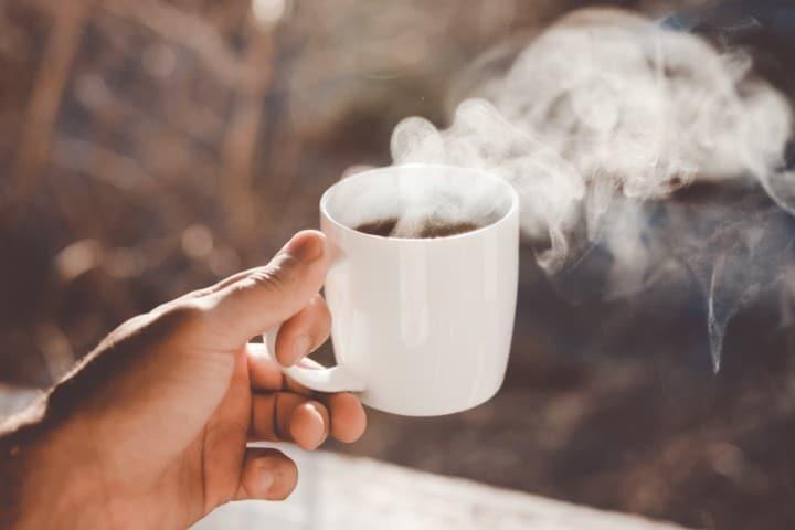 Taza de café. Foto: Clay Banks