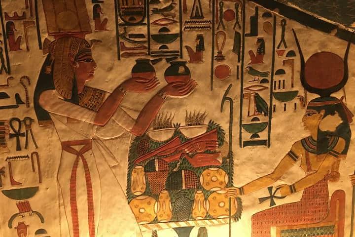 Templo de Nefertari Foto radiowood