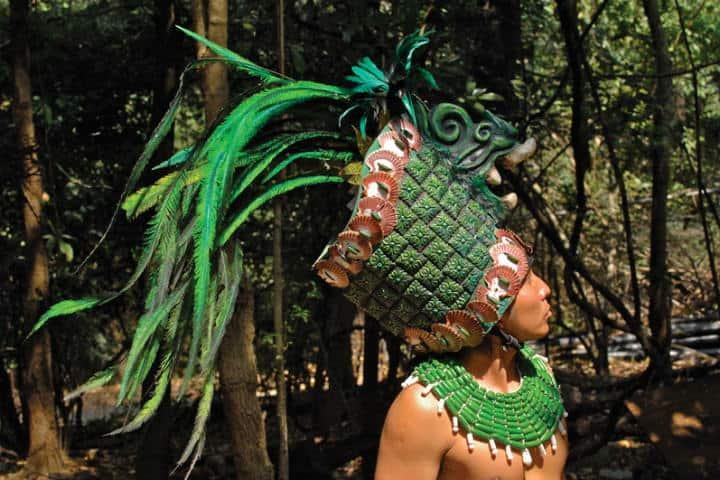 Tocados con plumas de quetzal Foto Tlatollotl