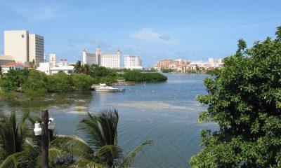 Laguna Nichupté vista desde la zona hotelera