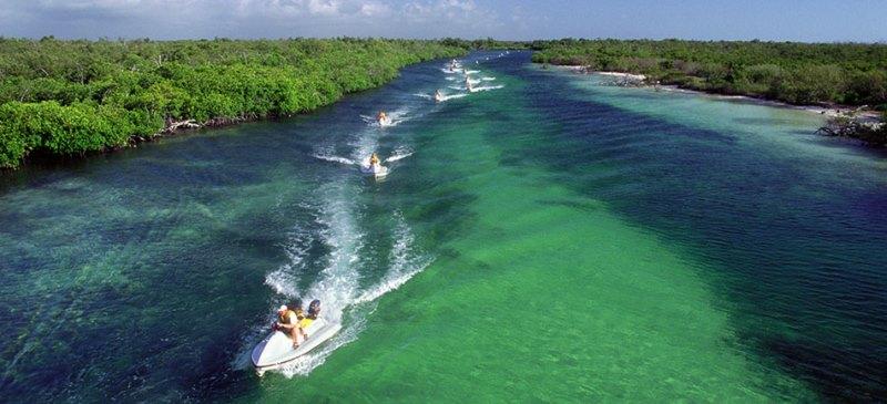 Tour por la Laguna Nichupté