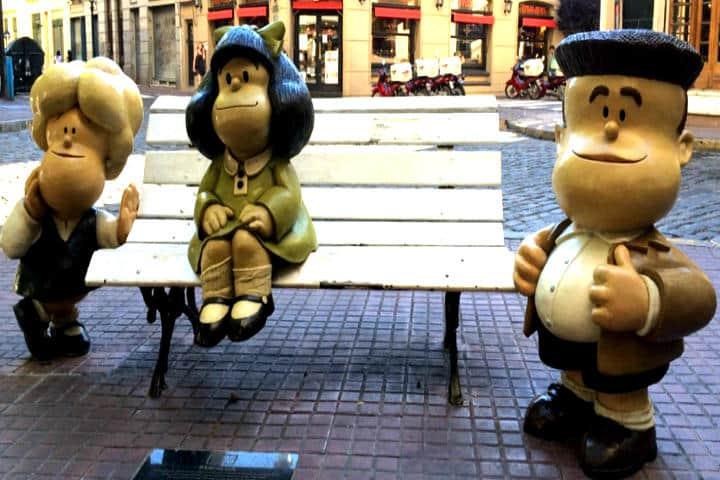 panoramica-banco-con-mafalda-y-sus-amigos-barrio de san telmo