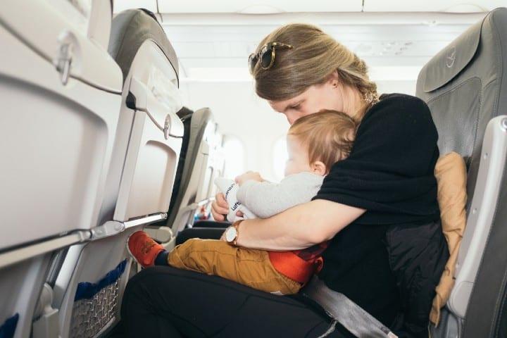 Consejos para viajar con bebés. Foto: Paul Hanaoka