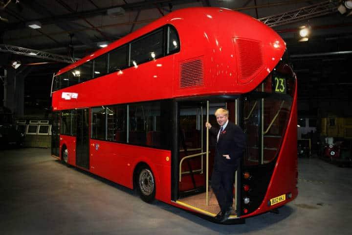 Conoce Londres desde el routemaster. Altura de puertas. Imagen. Pinterest 4