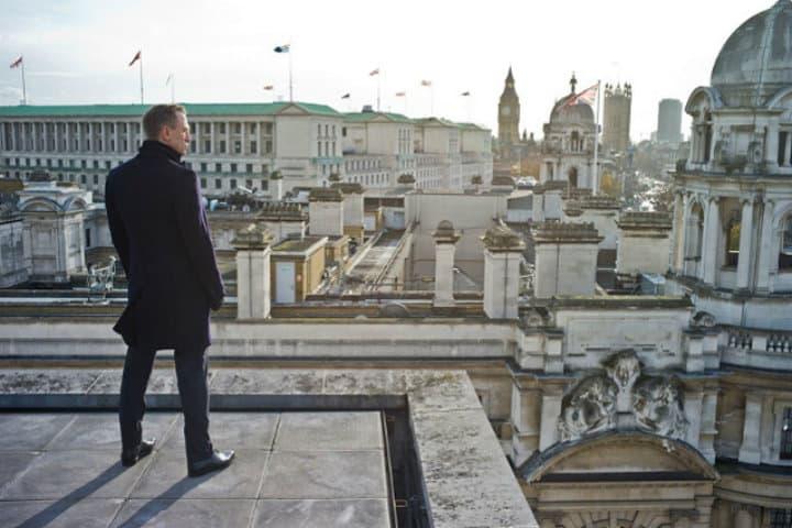 Conoce Londres desde el routemaster. Pelicula Skyfall. Imagen. Omio 2