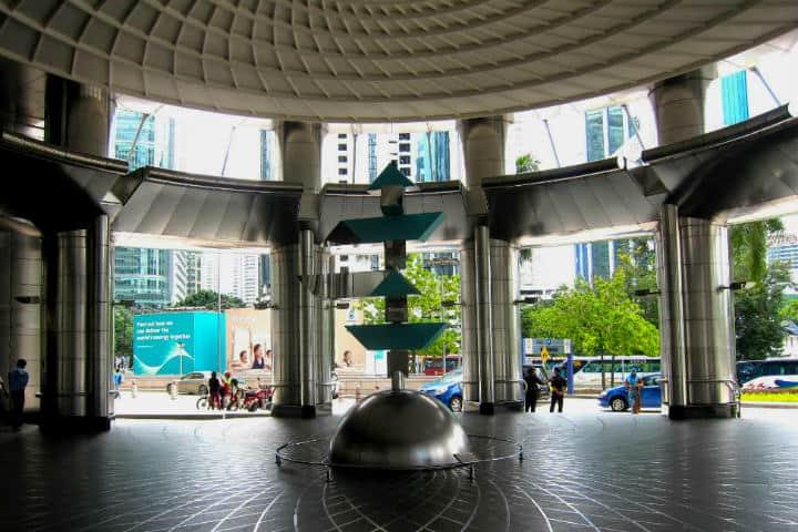 Entrada.Torres Petronas.Foto.Planet and Go.9