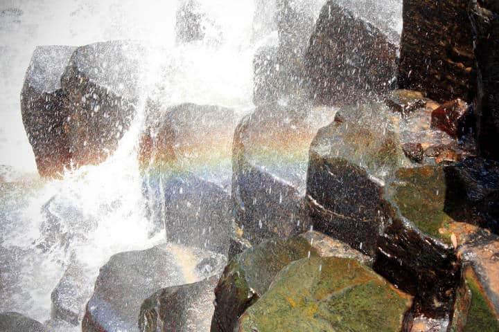 Arcoiris en los prismas. Foto Flickr.