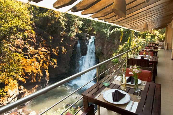 Impresionante vista de cascada.Hotel Misión.Valle de Bravo.Foto.Hoteles Misión.1