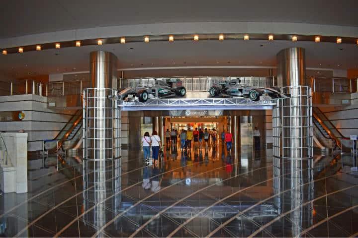 Interior de una de las Torres Petronas.Foto.Steve Douglas.3