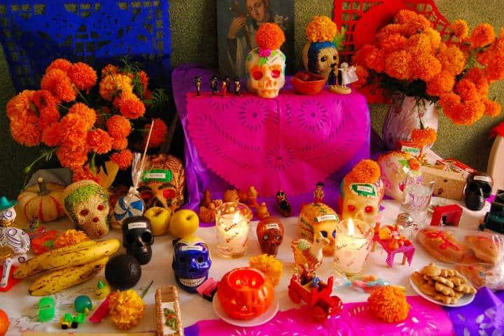 Ofrenda en Altar de Muertos. Foto Archivo 7