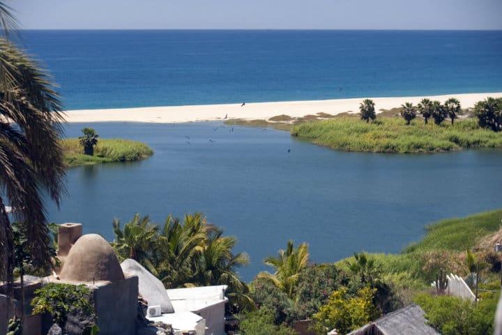Playa La Poza. Todos Santos. Foto Archivo 10
