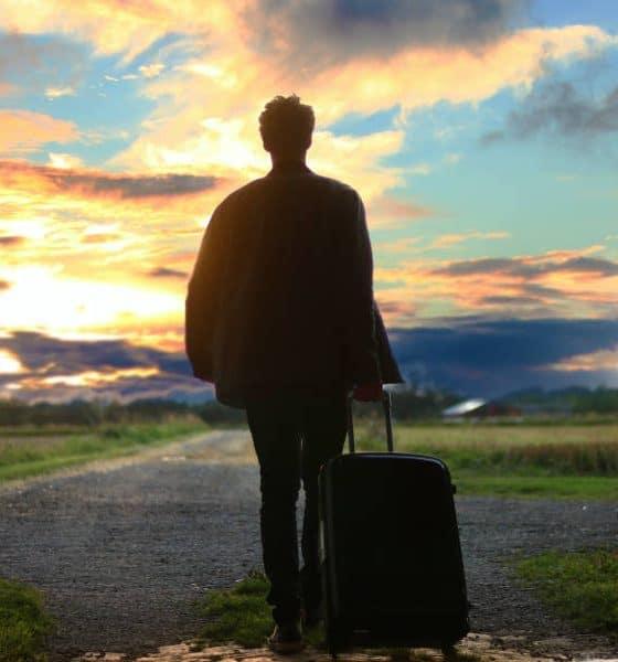 Portada Como hacer una maleta. Viaja liguero. Foto. Mantas 4
