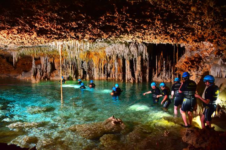 Tour por río secreto Foto civitatis com