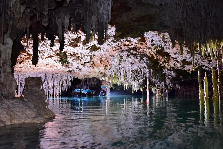 Tour por río secreto Foto xelbortravel com