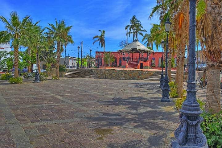 Zocalo de Todos Santos. Baja California Sur. Foto Kirt Edblom 2