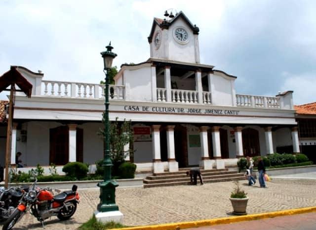 villa del carbon03