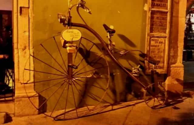 maria y su bici01