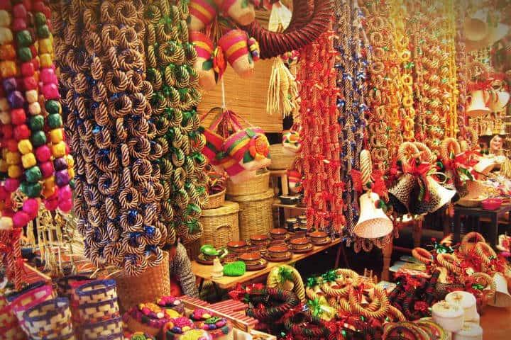 Mercado de artesanías, Pátzcuaro pueblo mágico en Michoacán. Foto flickr.