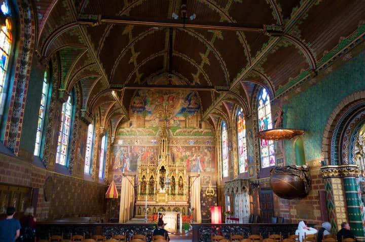 Aquí el interior de la Basílica de la Santa Sangre Foto Thomas Quine