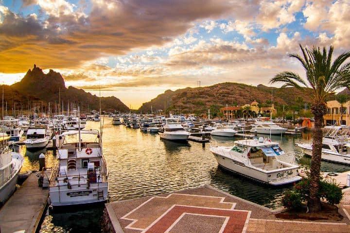 Bahía de San Carlos Sonora. Foto: Travel Zone Tour por Bahía de San Carlos