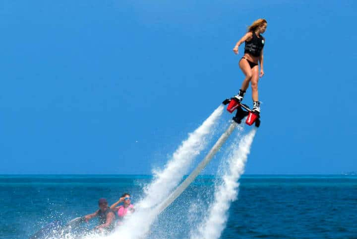 Flyboard. Foto Cancun and Riviera Maya.