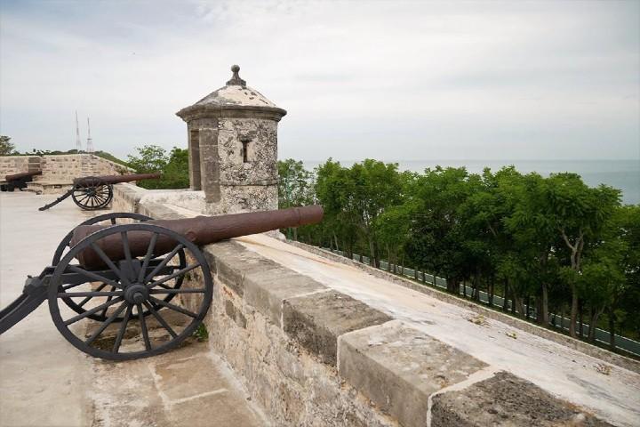 Cañones-de-defensa-en-Campeche-Amurallado.-Foto-:La-Cosmopolilla-6
