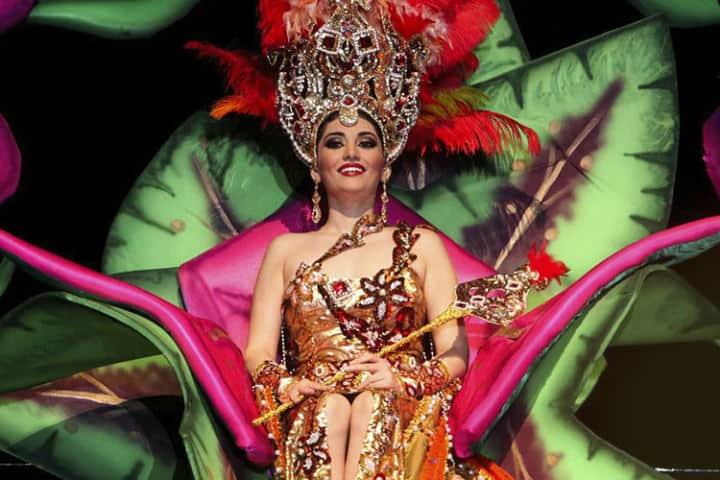 Coronación de la Reina del Carnaval de Mazatlán Foto Carnivaland