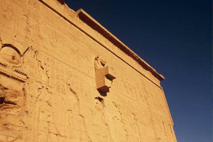 Gárgola en Templo de Hathor. Dendera. Fo to Lidia FP 5