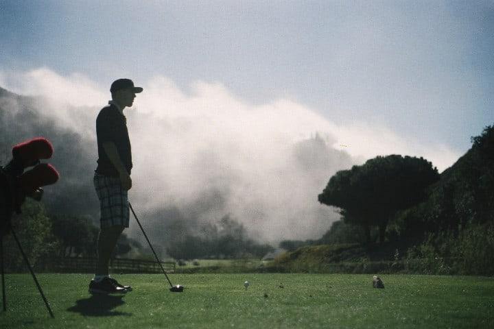 Golfista relajado. Foto: Brandon Hoogenboom