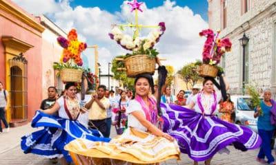 Portada Guelaguetza Fiesta de Ofrenda. Oaxaca. Imagen: Marco