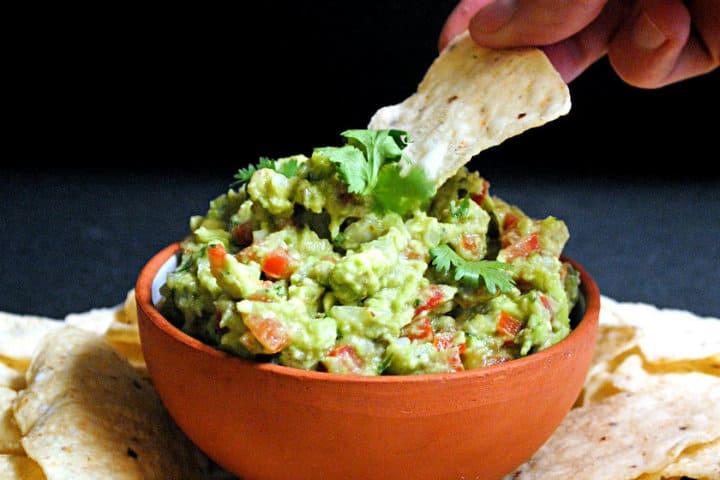 Probando guacamole. Foto Directo al Paladar 2