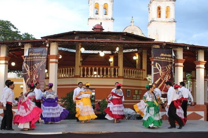 San Román Campeche. Foto: Arian Zwegers Feria del Cristo Negro en Campeche