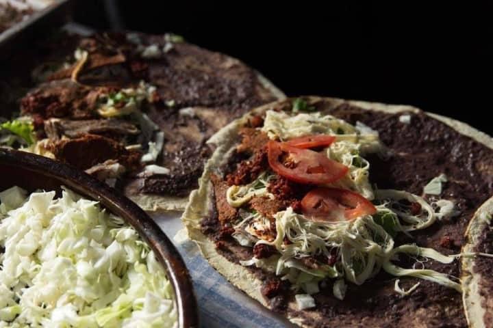 Tlayuda. Foto: Gourmet de México Comida típica de Oaxaca