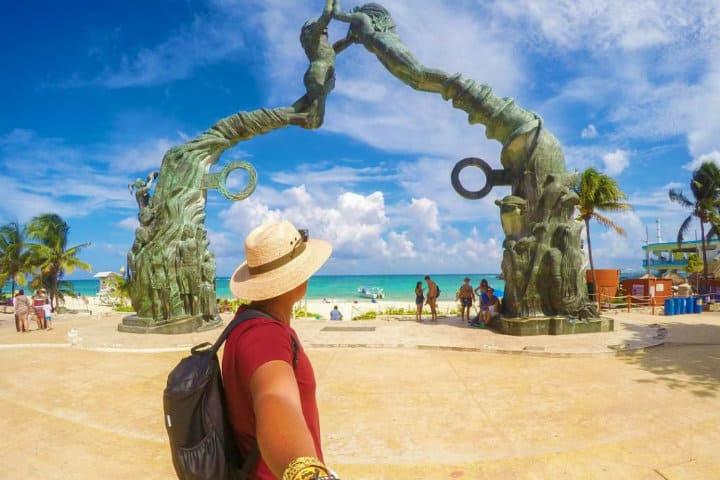 Un ejemplo de ello es El Portal Maya Foto Otros Monumentos y Esculturas