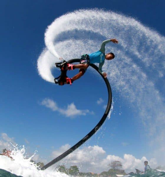 Flyboard. Foto Water Sports Lombok.