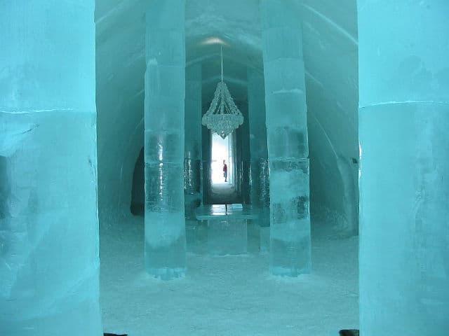 ice hotel01