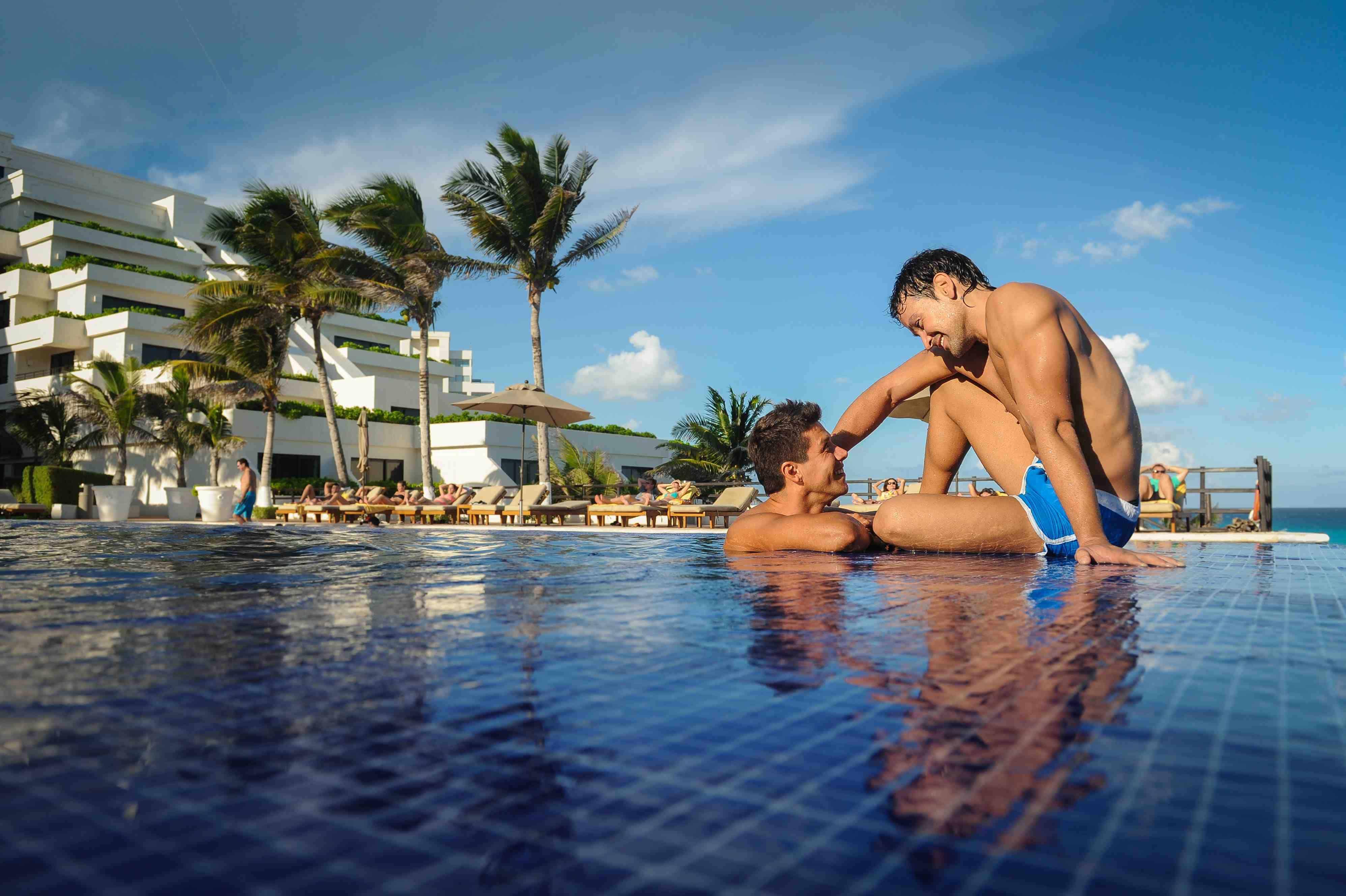 hotel_gay_friendly_2