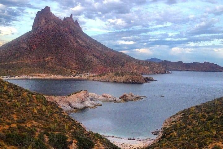 Tour por Bahía de San Carlos