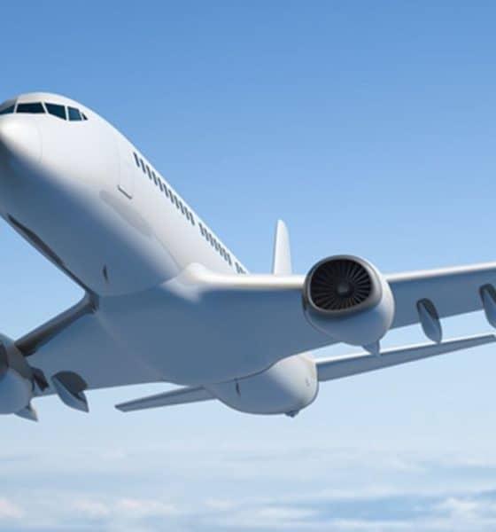 Flightradar24 el rastreador de vuelos. Foto Archivo